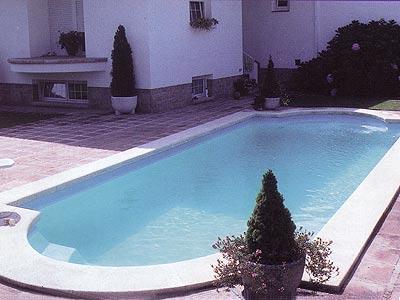 Modelos tipos formas medidas piscinas multiforma for Piscinas prefabricadas